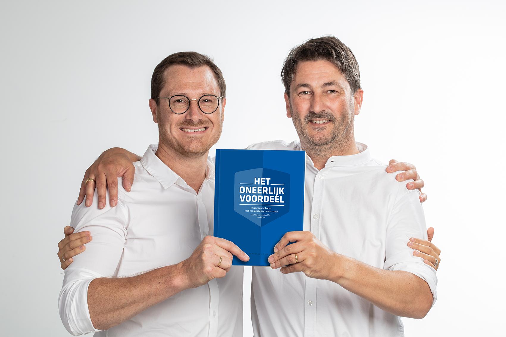 """Cis Scherpereel en Kurt Ostyn met hun nieuw boek """"Het Oneerlijk Voordeel"""""""